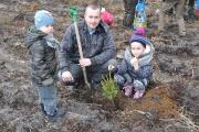 Sadzenie lasu Tulice 28_03_2015 r_63